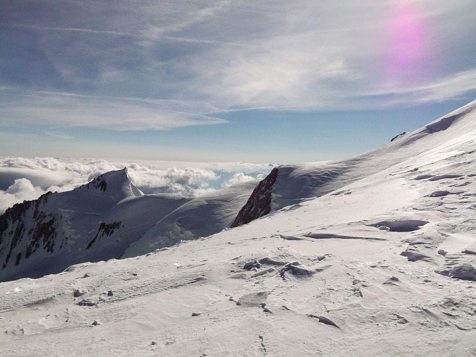 monte bianco freddo e cielo