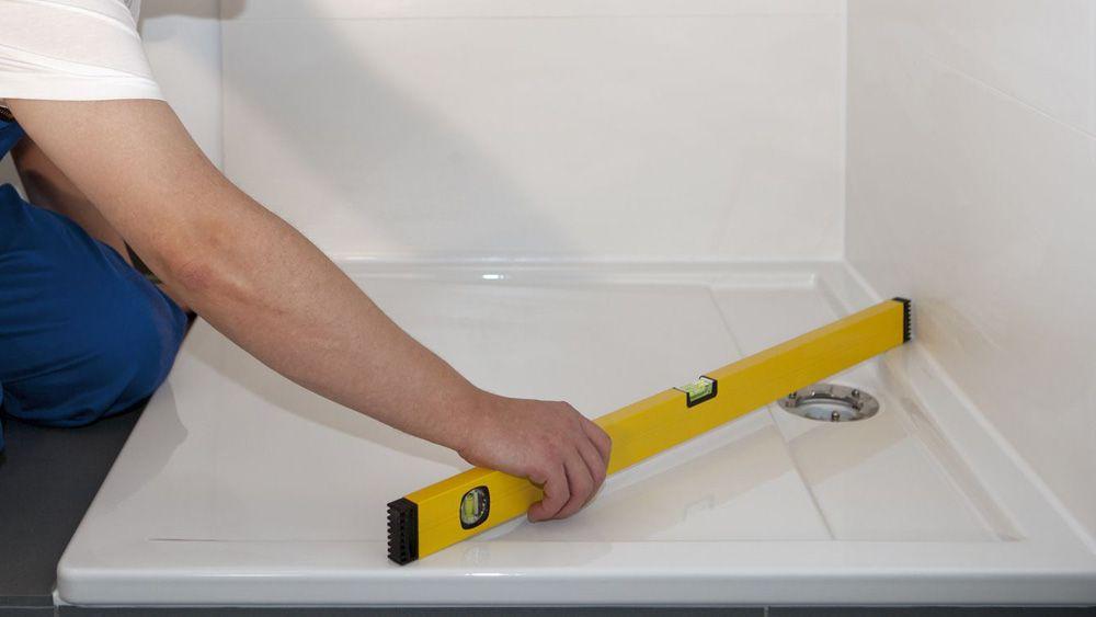 Come posare in modo semplice un piatto doccia